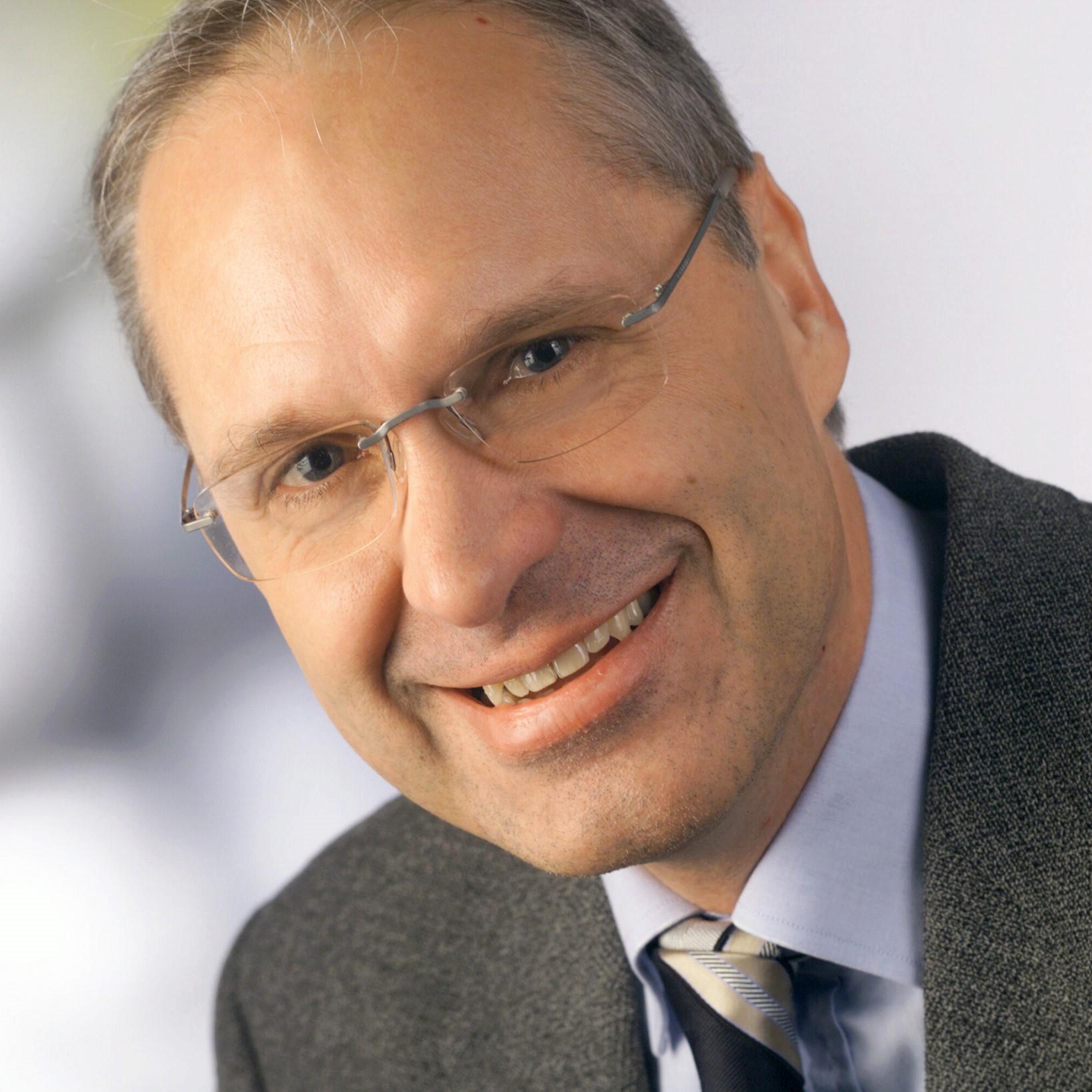 Prof. Dr. Klemens Waldhör FOM Hochschule für Ökonomie & Management